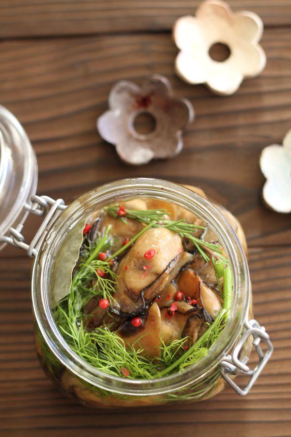 牡蠣とにんにくのオイル漬け by 星野奈々子 / 牡蠣とにんにくをオイル漬けにしました。完全に火を通すので1週間程度保存が可能です。 / ナディア