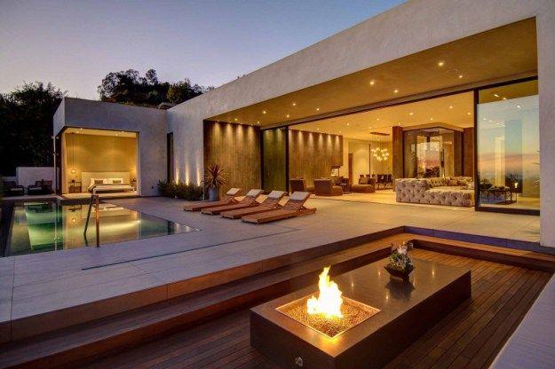 LA Residence by La Kaza and Meridith Baer Home 01