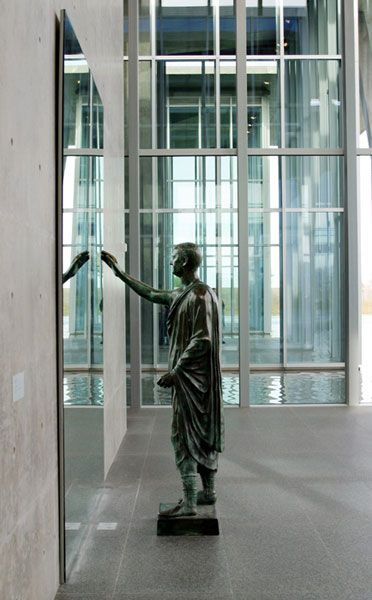 Modern Art Museum of Fort Worth, Texas by Tadao Ando Architect :: The Etruscan by Michelangelo Pistoletto