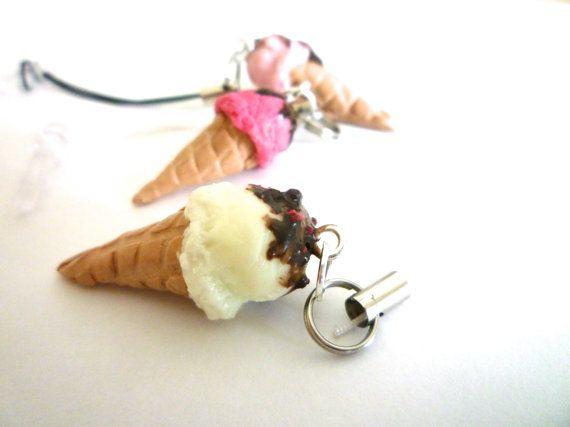 Miniature Vanille ice cream handmade in Polymer clay by ByAzalea, 3.50