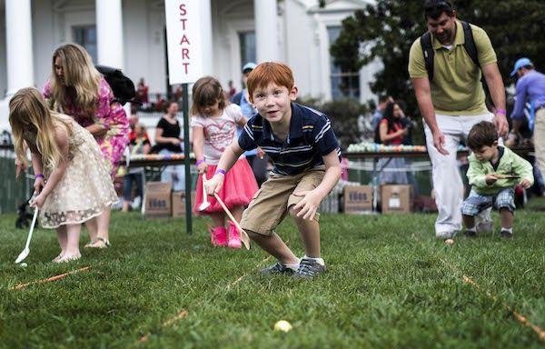 The Photos From The White House Egg Roll Are Even More Weird Than Last Year Egg Rolls Photo Rolls