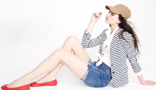 i need a striped blazer, then i can do this.: Red Flats, Red Shoes, White Shirts, Stripes Blazers, Denim Shorts, Baseball Caps, Basebal Cap, Baseball Hats, Stripes Jackets