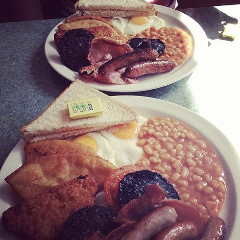 19 Breakfasts To Defeat A Hangover In Glasgow - what i wouldn't do for a Scoobie Snack right now.  I love so many of these places.