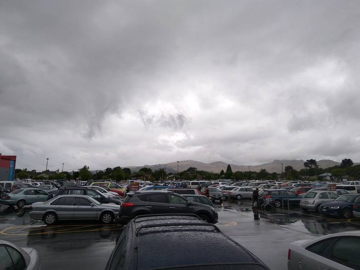 Full parking lot #eastgatemall #christchurch #xmas #nz #shopping