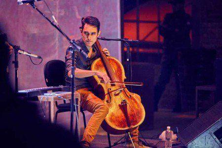 Show mistura música eletrônica com violoncelos