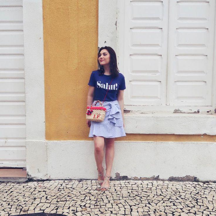 """Lu Ferreira no Instagram: """"Salut! Saia de babados + camiseta no look de hoje #ootd #style #travel #recife"""""""