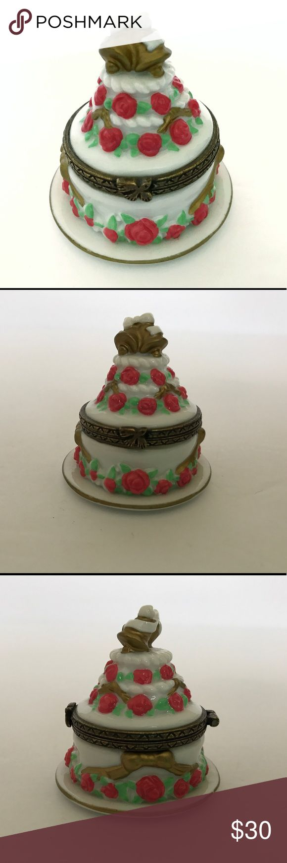 Small Jewelry Box Wedding Cake Shaped Pill Trinket Cute little trinket/jewelry/pill box shaped like a wedding cake. Excellent condition. Please let me know if you have any questions! Jewelry