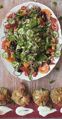 Modern Greek salad spinach, chickpea & feta parcels - hellomagazine.com