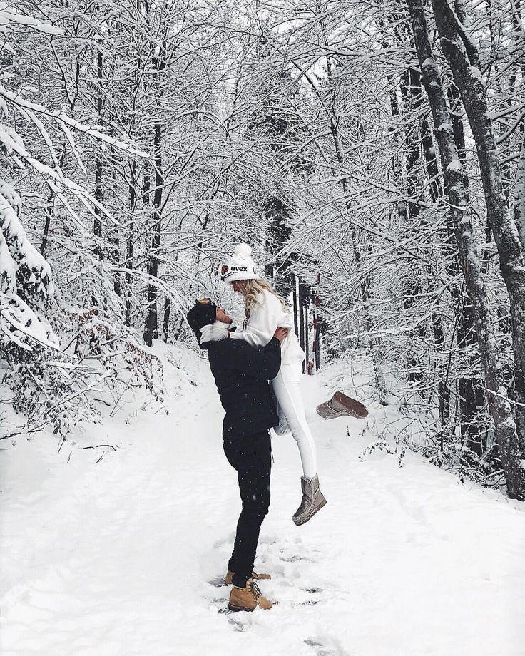"""2.244 Tage, 19 Jahre alt – Instagram – Da Diary Inspiration ? (@blondesandcookies): """"Liebe im Schnee ❄️ Markiere dein Baby ? von @anajohnson ___…"""