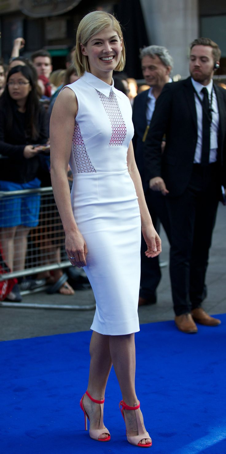 Rosamund Pike in Victoria Beckham @ 2013 'The World's End' London Premiere
