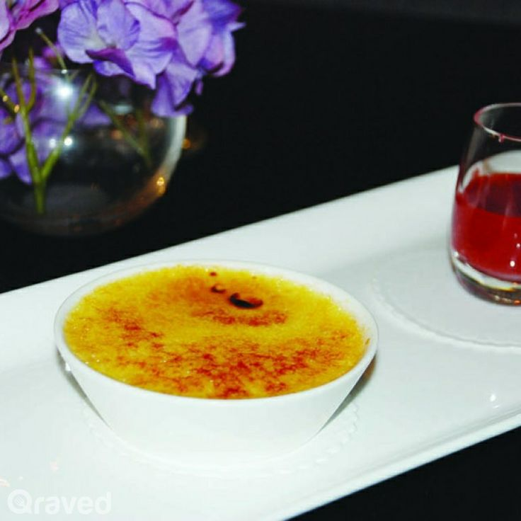 Vanilla Bean Creme Brulee at Huize van Wely Pacific Place