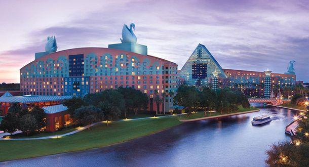 """4. Отели """"Дельфин"""" и """"Лебедь"""" в парке Walt Disney World, 1988"""