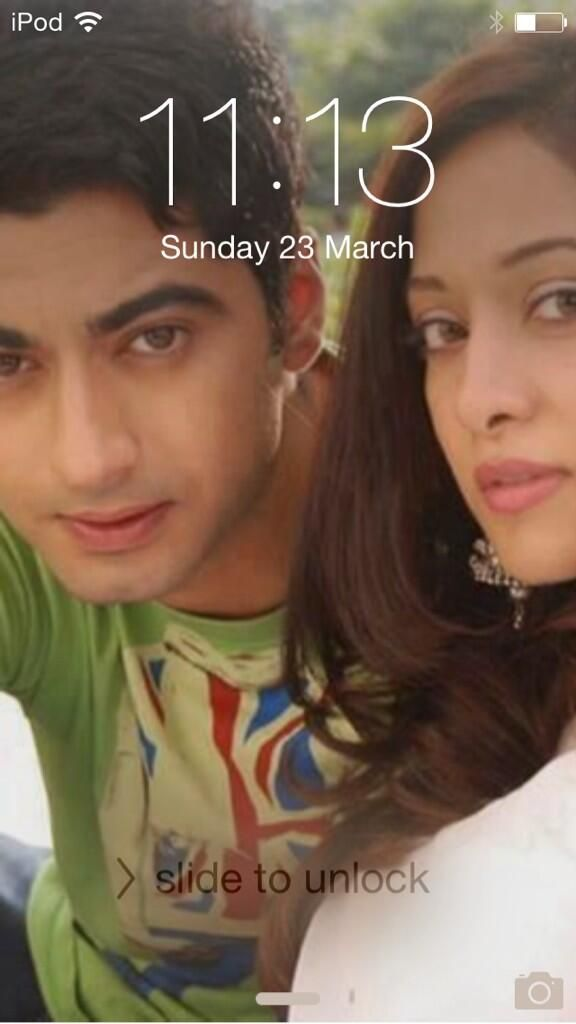 Who likes my iPod screen Zaya!!!