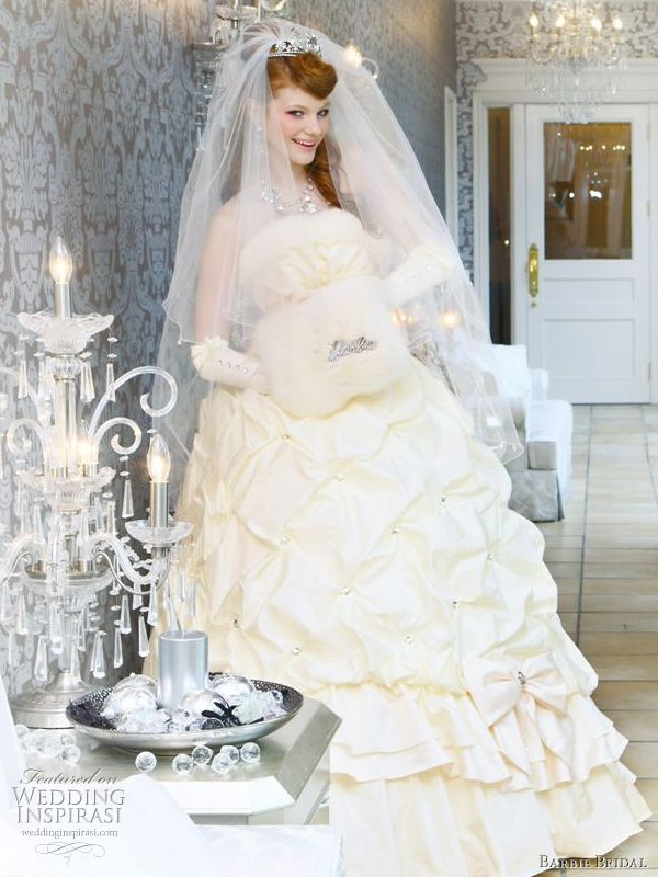 Barbie Bridal white wedding gown with pickup skirt detail, worn with veil and elbow-length gloves - adorable, romantic princess