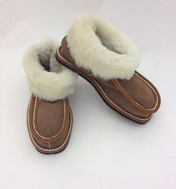 Genuine shearling slippers for children with extra thick by BeFur, €17.50