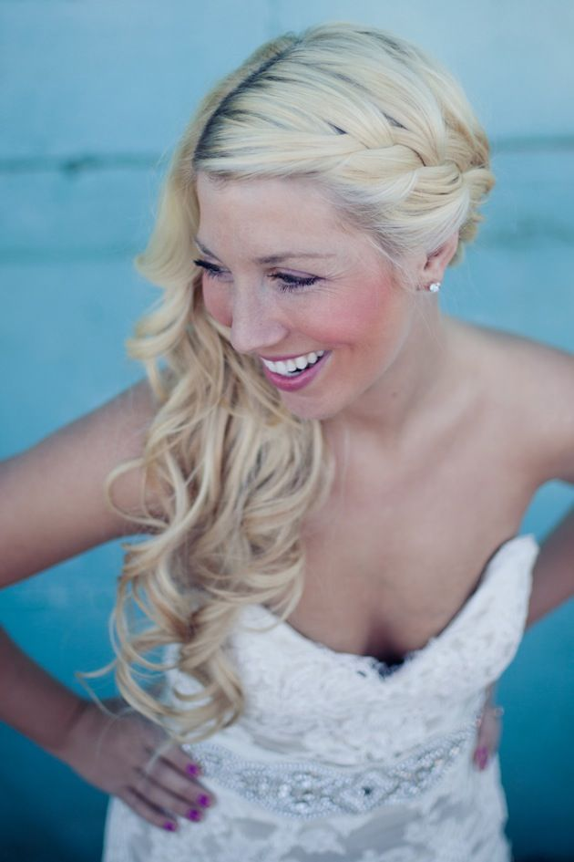 Love this bride's side swept braided hairstyle! Anna Lee Media