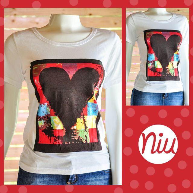 Una blusa básica de estilo romántico :) encuentra esto y mucho más en: www.niuenlinea.co