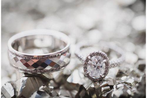Aica Films — Wedding rings - Anillos de bodas