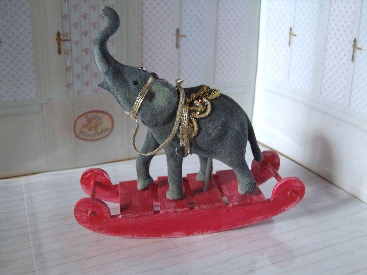 Schaukeltier Elefant für die Puppenstube