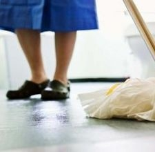 How to Remove Yellow Stains on Linoleum Bathroom Floors