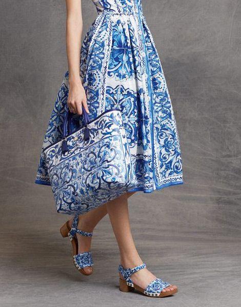 İznik Çinisi Deseni - Elbise-Çanta- Ayakkabı Modeli http://www.yesiltopuklar.com/iznik-cinisi-deseni-dunya-modasini-sardi.html