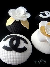 Chanel Inspired Cupcakes.
