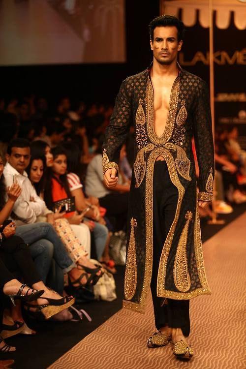 Islamic Fashion Week 2013