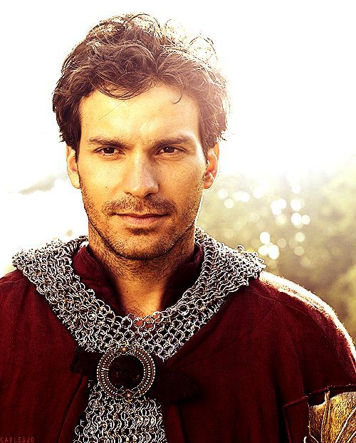 Lancelot played by Santiago Cabera