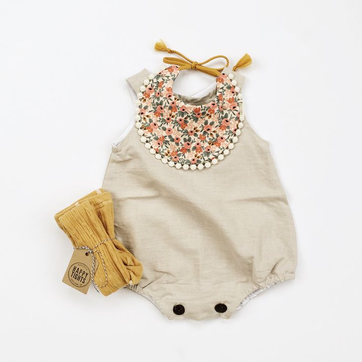 Fall baby outfits Bib from www.billybibs.com Romper from Marlow & Mae Tights from Happy Tights