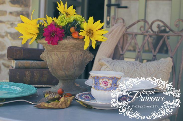 A meleg őszi napsütésben a szabadban kávézni... mmmm...
