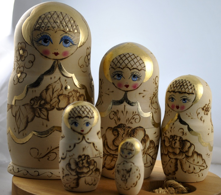 vintage Russian babushka dolls| I love these. I have some that look just like this