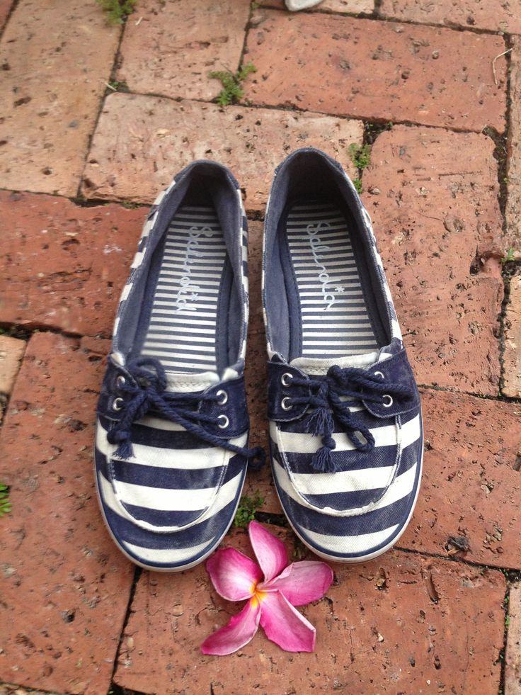 Nautical slippers/sneakers  by splendid
