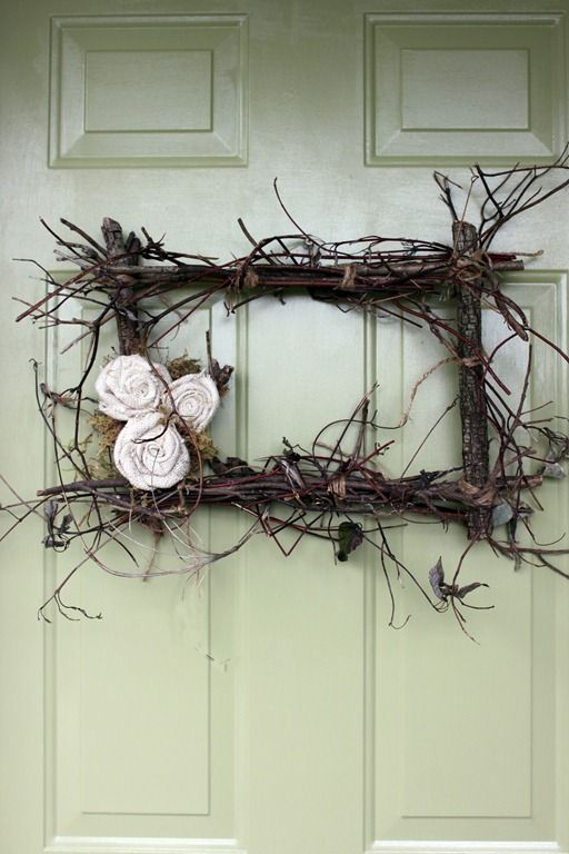 twig wreath (Love the twig frame, but no flowers)