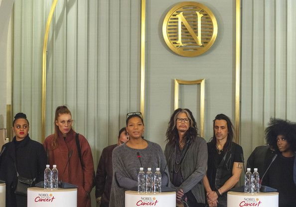 Steven Tyler Photos - L-R Seinabo Sey, Gabrielle, Ustad Rahat Fateh Ali Khan, Queen Latifah, Steven Tyler and Laura Mvula attend the press conference ahead of the Nobel Peace Prize concert at the Norwegian Nobel Institute. Tonights Nobel Peace Prize Concert will be hosted  Queen Latifah to honour this year Nobel Peace Prize winner Kailash Satyarthi and Malala Yousafzai.  on December 11, 2014 in Oslo, Norway. - Nobel Peace Prize Concert Press Conference