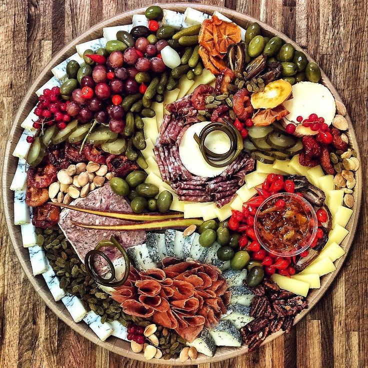 Here is a beautiful platter by @cheesemongrrl to get you ready for the week ahead!
