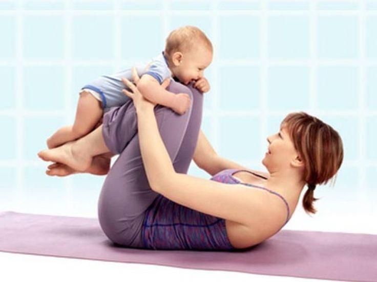 Für das Beckenbodentraining gibt es spezielle Übungen, die diese Muskeln gezielt stärken, so dass sich Probleme wie Inkontinenz in Luft auflösen. Hier gibt es die fünf besten Beckenbodenübungen, die man ganz leicht Zuhause durchführen kann.