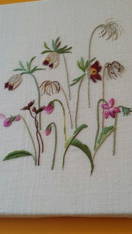 죽었냐고 물어보는 사람 있길래 건강히 살아 있다는 표시로 옛날에 완성한 할미꽃과 제비꽃 작품 올립니다...