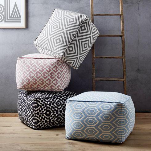 Pouf aus 100% Baumwolle in der Farbe Grau/Weiß. B/H/T: ca. 60/40/60cm. ähnliche tolle Projekte und Ideen wie im Bild vorgestellt findest du auch in unserem Magazin