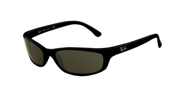 Look who's looking at this new Ray-Ban  Rb4115