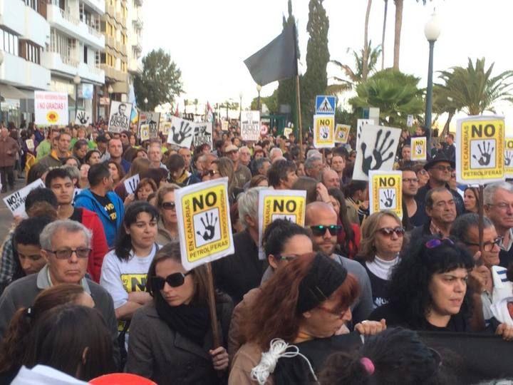 Manifestación en Lanzarote contra el petróleo, marzo 2014