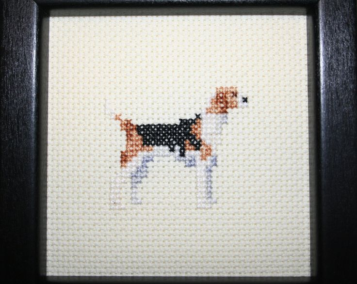 Foxhound American Cross Stitched Full Body Dog. by pianstitches