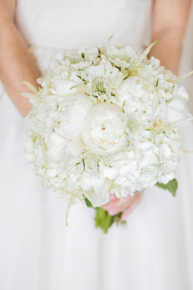 white bridal bouquet with peony and scabiosa flowers | photo: volatilephoto.com | wedding planning, styling and floral design: lovelylittledetails.com