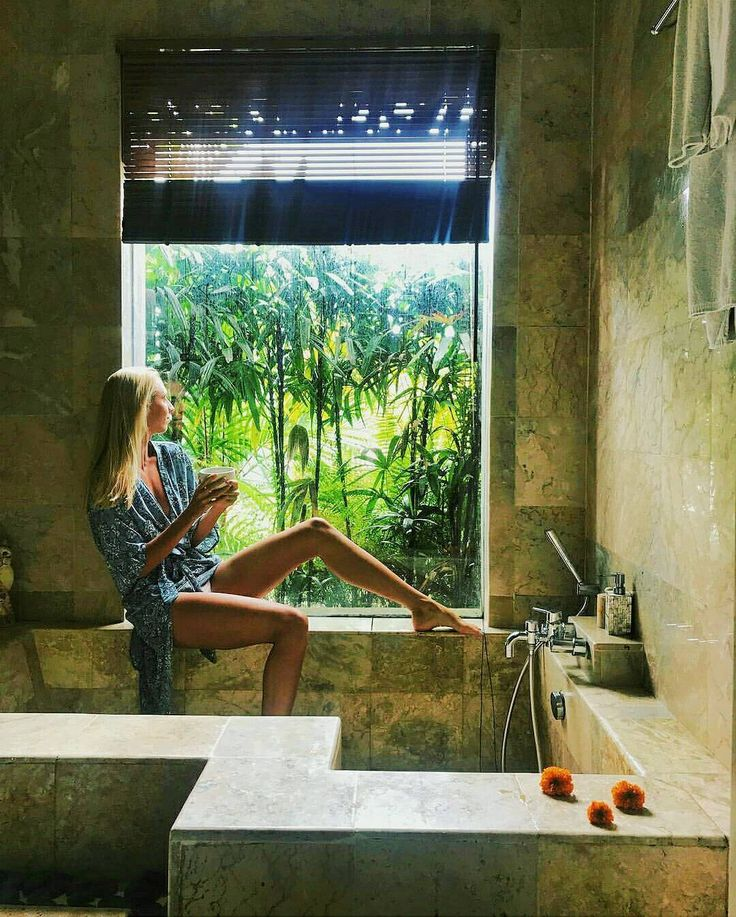 So inspiring @veru_dubova  This spot could be the best one to be relaxing and enjoying the morning freshness  .. Deluxe bathroom corner and bathtub with hot water  .. #morning #vibes #Holiday #Vacation #balihotel #ubud #Tegalalang #sebatujourney #Travelgram #puriganggaresort #バリ #巴厘岛 #бали اوبود# #AHomeinALivingCulture #yogainspiration #yogadaily #йога #ヨガ #요가 #발리