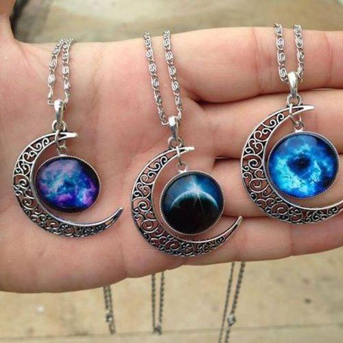 statement necklace- Beautiful bohemian hippie jewelry http://www.justtrendygirls.com/beautiful-bohemian-hippie-jewelry/