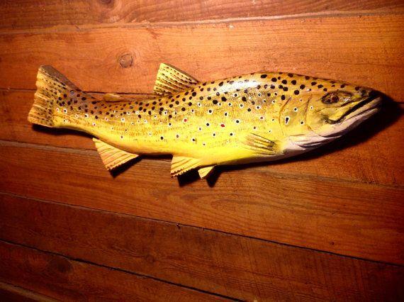 "Trucha marrón 34"" motosierra pescado de madera tallado pesca retiro pared monte lago lodge arte Arte pintado a mano original Todd Lynd rústico casa"