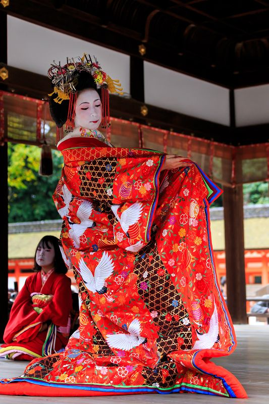 Aoi-Tayuu is the youngest and newest Tayuu in Shimabara. She was an apprentice of Tsukasa-Tayuu for almost 10 years!