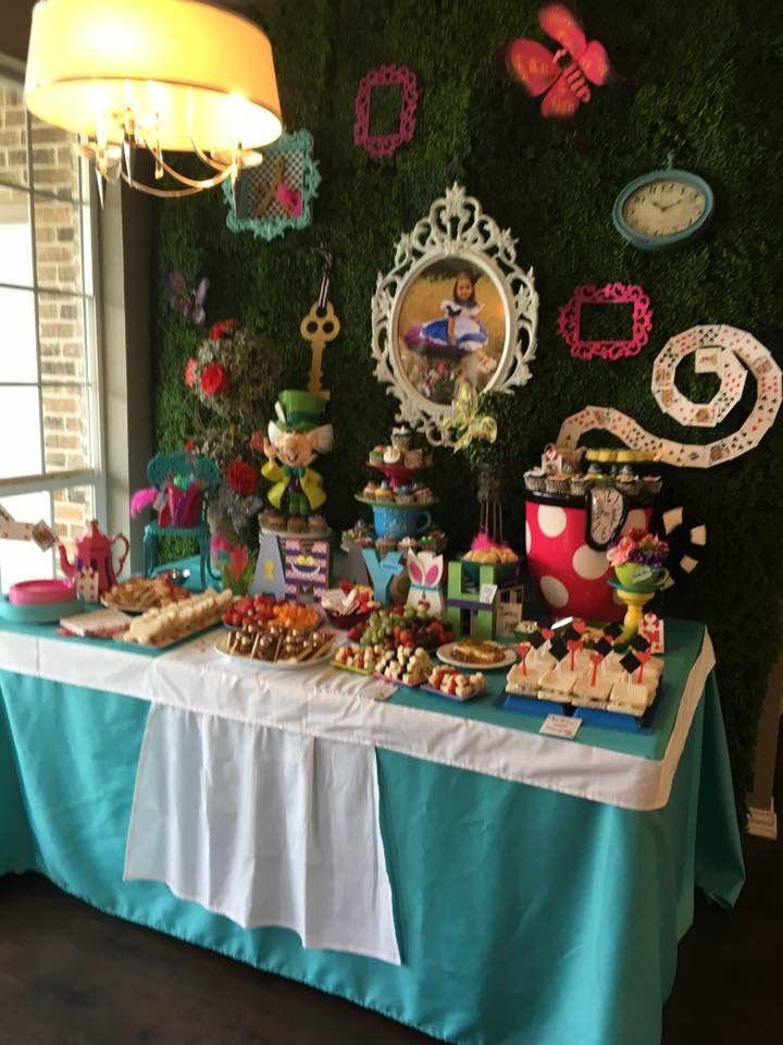 Alice In Wonderland Party Decor Food Table Alice In Wonderland