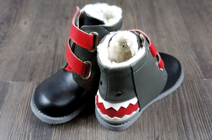 (28.88$)  Know more - http://aimxf.worlditems.win/all/product.php?id=32556245998 - 2016 New baby moccasins boots Genuine Leather baby shoes Non-slip warm for winter boy babe boots 100% hand-made cartoon shark