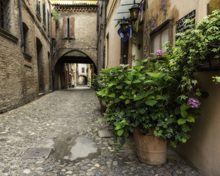 Walking in Ferrara by Enrico Lapponi on 500px