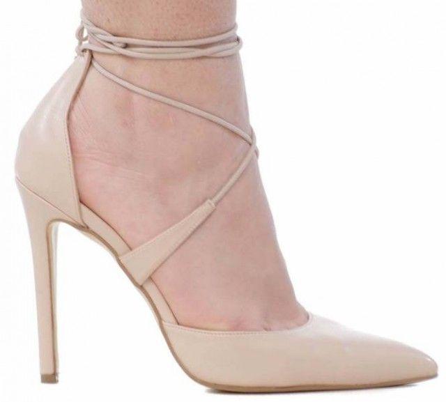"""""""Οργώσαμε"""" το internet αλλά σου βρήκαμε μονάχα τα καλύτερα γυναικεία παπούτσια! Προτάσεις σε γόβες, μποτάκια, ankle boots, flat μπότες , over the knee μπότες, oxfords, και αθλητικά, και σε τιμές από 29.99€ έως και 149€!"""